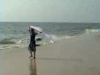 20040211_kerala_beach_steph_bollywood
