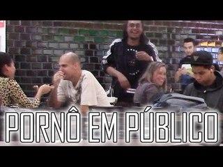 ASSISTINDO PORNÔ EM PÚBLICO - #OQNÃOFAZER
