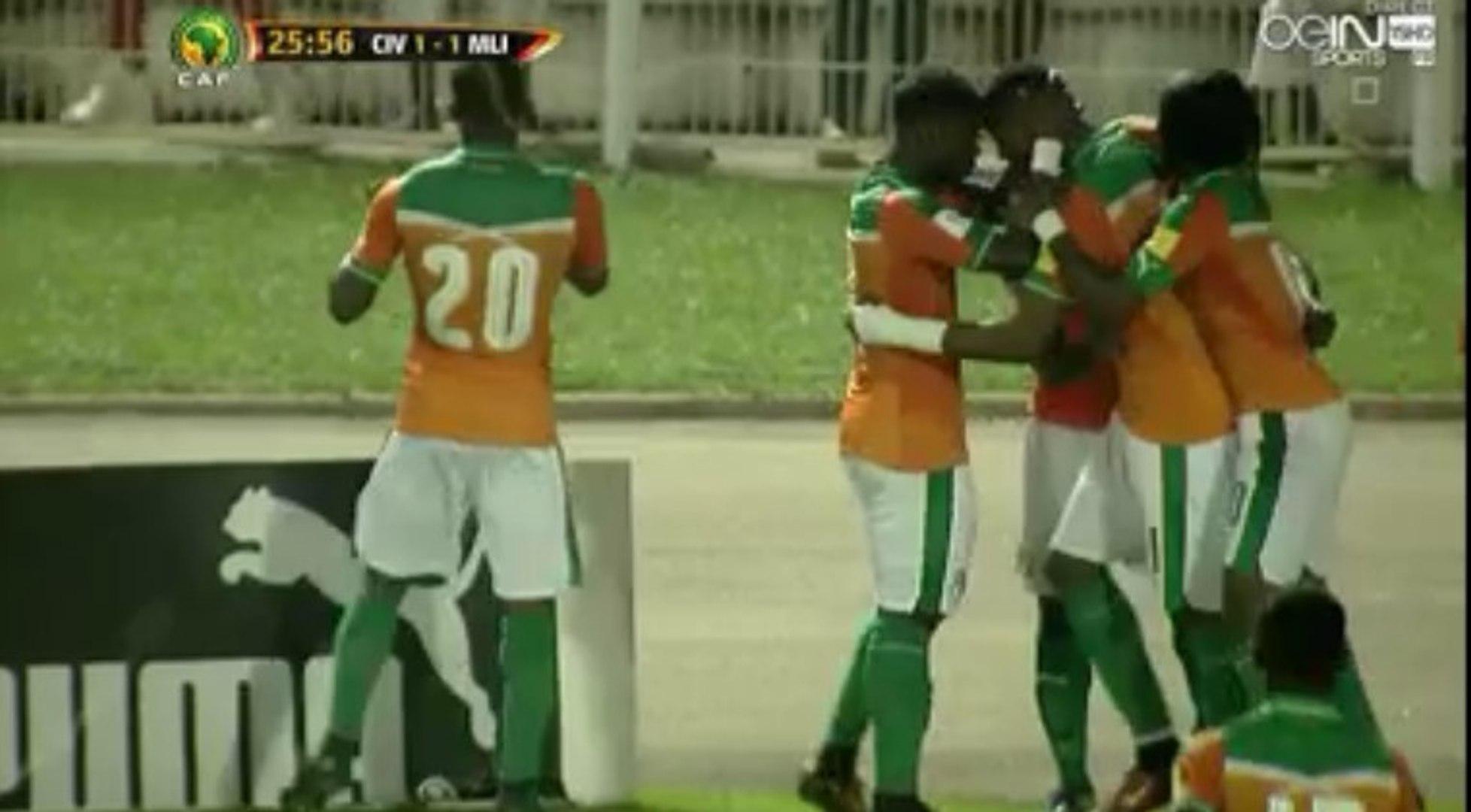 But Incroyable de Jonathan Kodjia Goal - Ivory Coast 1-1 Mali - (08/10/2016)