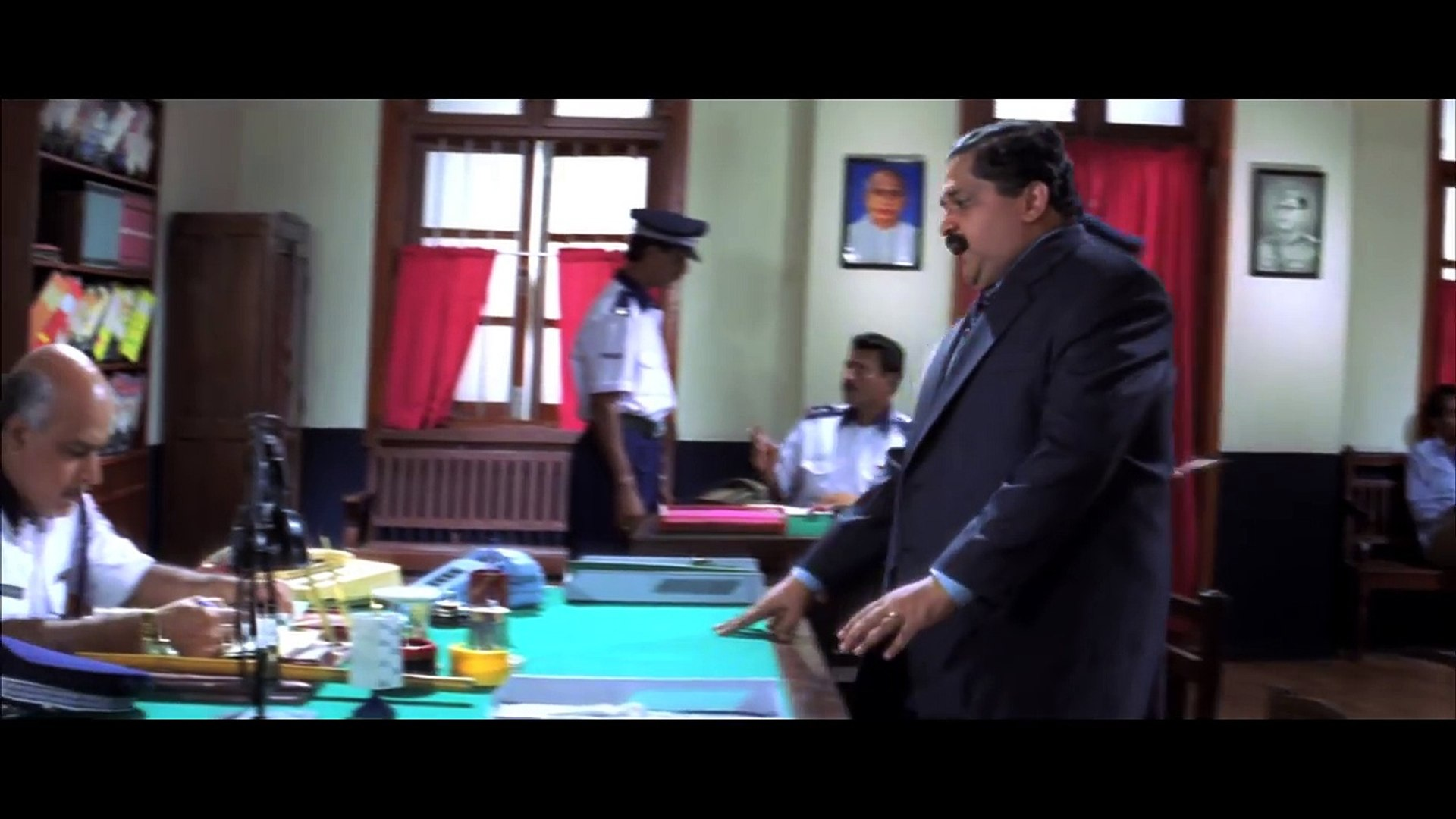 Comedy Scenes | Hindi Comedy Movies | Funny Police Station Scene | Jodi No 1 | Hindi Movies