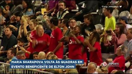 Maria Sharapova volta às quadras em evento beneficente