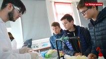 Quimper. Atelier animé par des lycéens à la Fête de la science