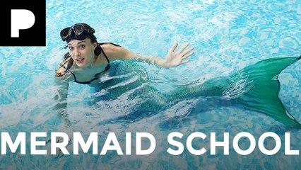 Emily Hartridge's Weird World: Mermaid School