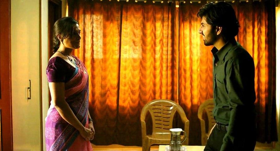 Richa Chadda  Hot  Scene in Masaan Movie   |  Richa Chadda ,Shweta Tripathi   |