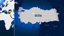 Des kamikazes se font exploser dimanche à Gaziantep (Turquie) lors d'une opération de police contre une cellule dormante du groupe Etat islamique. Au moins trois morts, dont deux policiers, et huit blessés