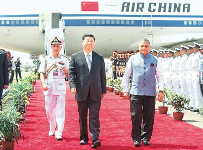 习近平抵达印度果阿 出席金砖国家领导人第八次会晤