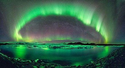 """北极光现身芬兰 上演""""夜空盛宴"""""""