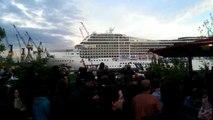 Ce navire de croisière  joue Seven Nation Army pour annoncer son arrivée au port