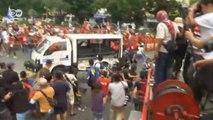 Polícia reprime com extrema violência protesto a favor de política do governo nas Filipinas