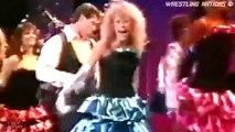 "Vince Mcmahon sing song LIVE ""Stand Back"" (Guitarist Hulk Hogan)"