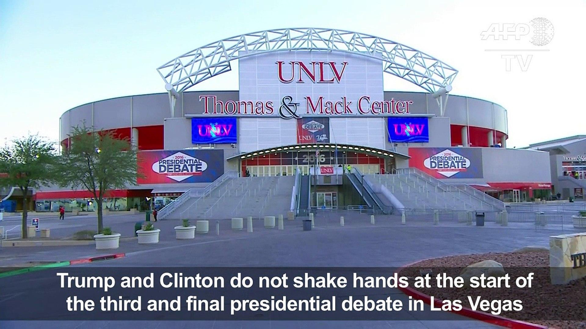 Clinton and Trump don't shake hands at start of third debate