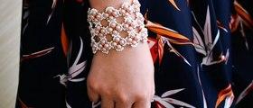 Vidéo 57(P) Comment faire un bracelet large avec perles de rocaille et perles en verre nacré