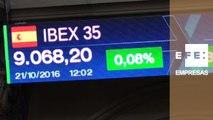 El IBEX 35 cotiza plano a mediodía y se sitúa en los 9.068 puntos
