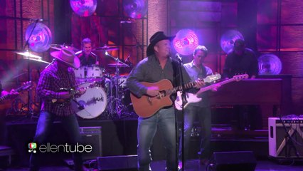 Garth Brooks Performs 'Baby, Let's Lay Down and Dance'!