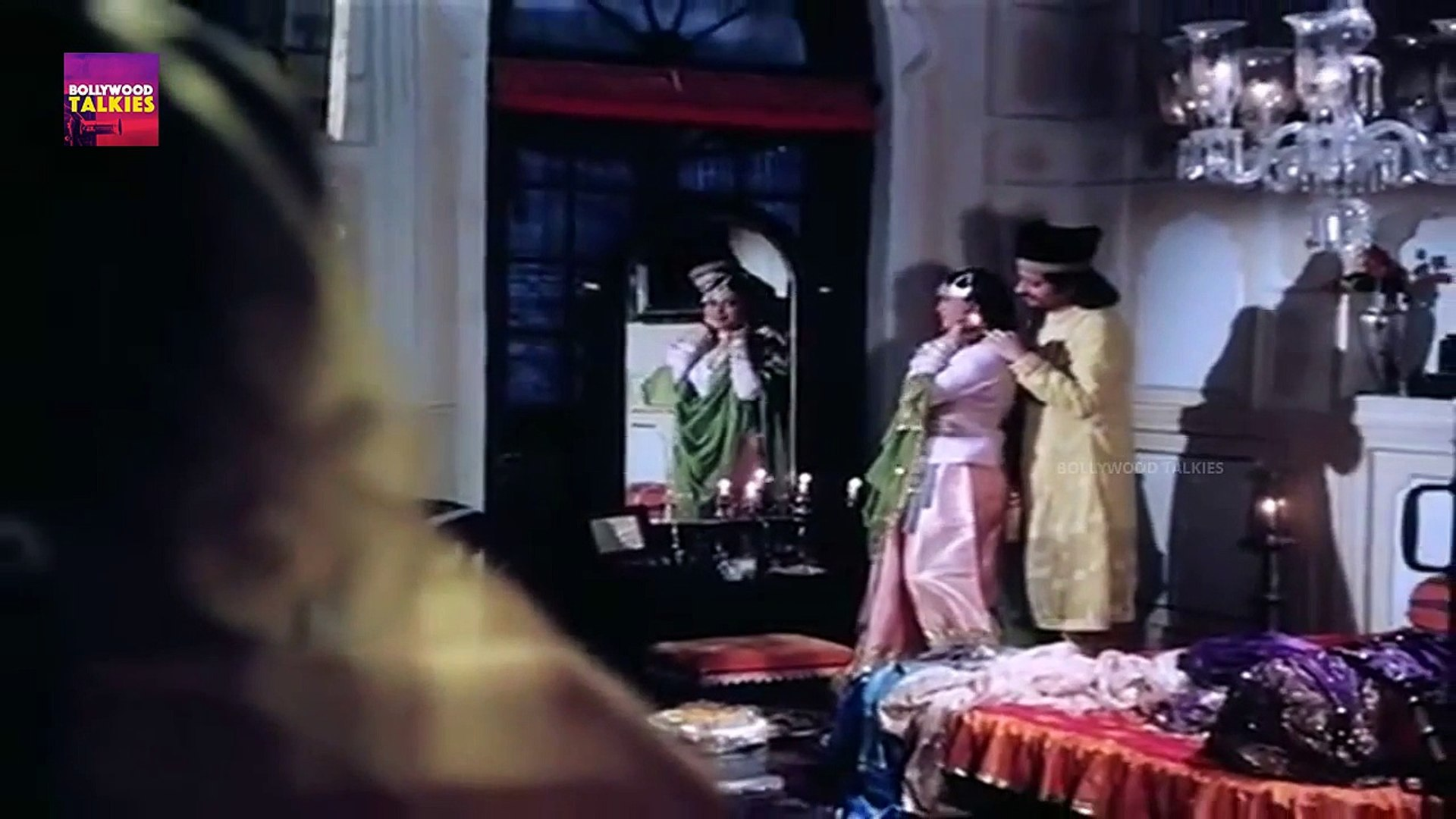 Rekha and Naseeruddin Shah Romantic Scene | Bollywood Movie Scenes