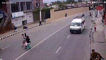 Nepal earthquake video and footage at a road on a road 25 april 2015