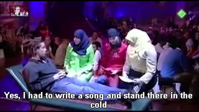Angry Muslims women Destroyed by Smart and Funny Comedian (english subtitles)