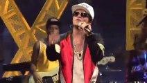 Bruno Mars performing '24K Magic' on Saturday Night Live!