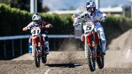 Head-to-Head MX Racing On An Unwound Supercross Track