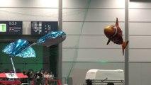 Des poissons volants télécommandés géants!