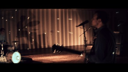 Parcours - Between the lines (exklusive Pretty in Noise Premiere)