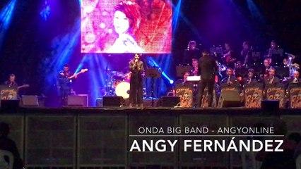 """Angy canta """"You Make Me Feel Like"""" de Aretha Franklin, en el concierto con la banda Onda Big Band"""