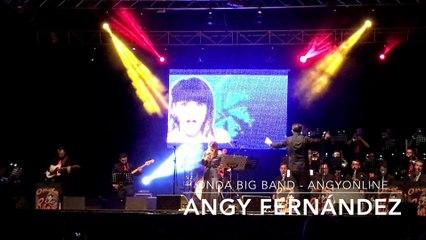 """Angy canta """"Think (Freedom)"""" de Aretha Franklin, en el concierto con la banda Onda Big Band"""