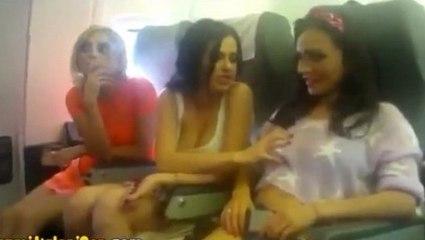 Uçakta Amatör Klip Çeken S.ksi Kızlar