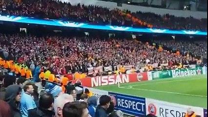 Bayern Munich Fans Create Fantastic Atmosphere Against Manchester City (25/11/2014)