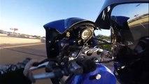Un motard se vautre en voulant faire le malin sur sa bécane