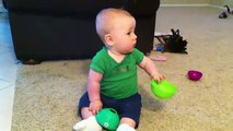 Vuelve Papa!!!!!! ★ bebes divertidos   risa bebe   bebe humor   bebes chistosos   bebe fail