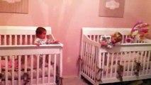 2 Bebes Escapistas! INCREIBLE! ★ bebes divertidos   risa bebe   bebes chistosos   bebe humor