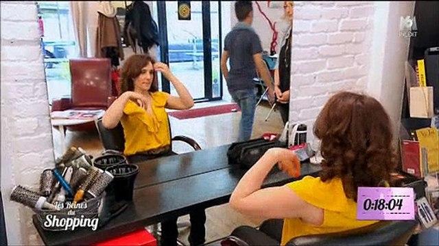 """Une candidate des """"Reines du shopping"""" ne rassure pas du tout Cristina Cordula chez le coiffeur ! Regardez"""