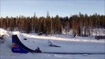 Adrénaline - Tous sports : Daniel Bodin replaque le premier double backflip de l'histoire en snowmobile