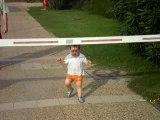 Aydan passe sous la barrière