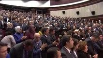 Başbakan Yıldırım, AK Parti Siyaset Akademisi Mezunlarına Sertifikalarını Verdi