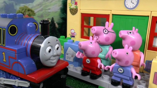 Peppa Pig Toy Train Construction Set Play Doh Duplo Thomas and Friends Toys Juguetes de Peppa Pig