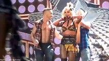 Britney Spears perd son soutien-gorge en plein concert (vidéo)