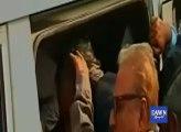 Islamabad police take PTI leaders Arif Alvi and Imran Ismail into custody