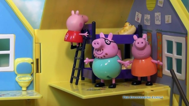 PEPPA PIG is Scared of the Dark a Nickelodeon & BBC Toys Video Parody