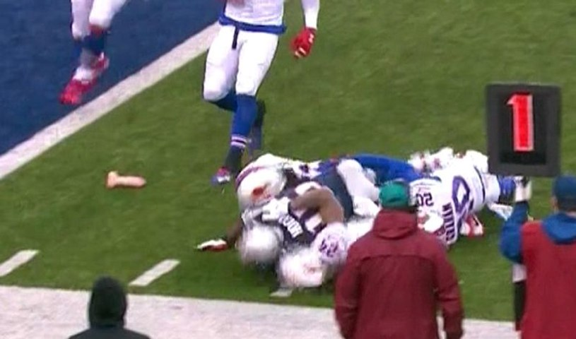 Big dildo on the field during Pats-Bills (Twitter Reactions)
