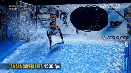 Así practican surf Pilar Rubio y Joaquín Reyes
