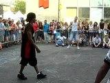 battle footwork montreal 2007 - bboy dingo vs flash