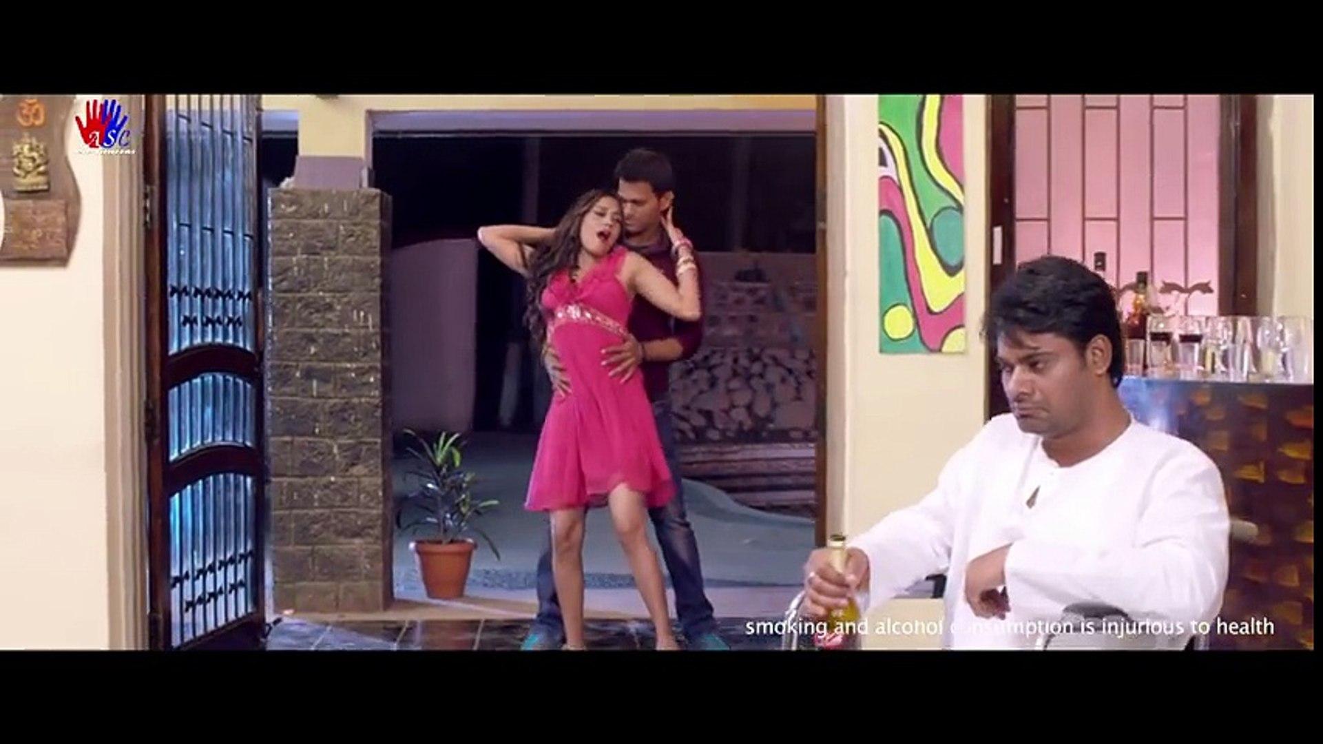 B-Grade Hot Indian Movie Song - Gulabi Mere Hoth - New Bhojpuri Hot Song  2016 Full HD