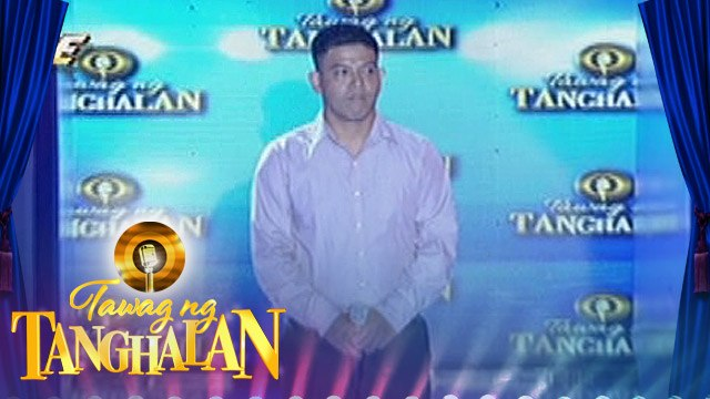 Tawag ng Tanghalan: Mark steals the golden microphone from Carlmalone