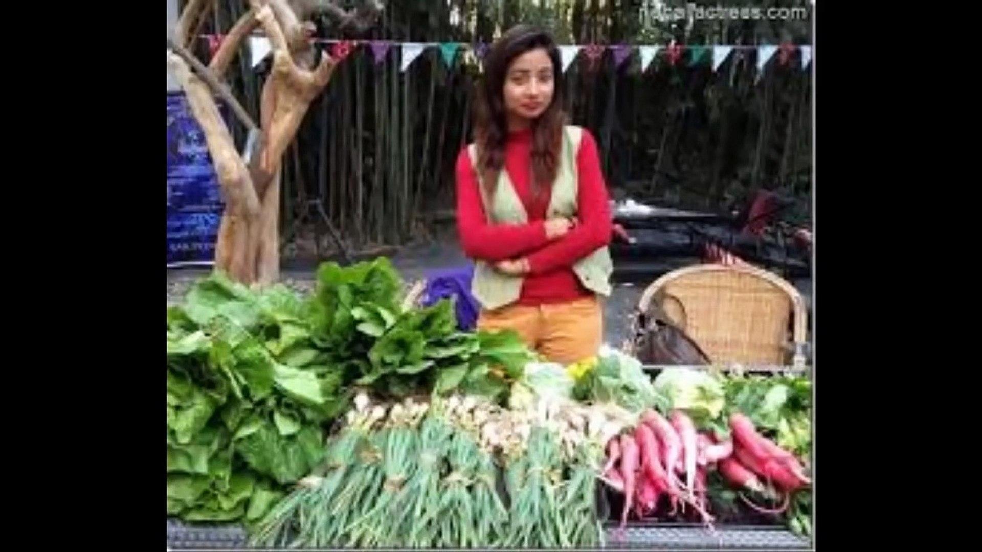 Beautiful Vegetables seller girl in Nepal - Beautiful girl sellinng vegetable in Nepal #Tarkariwali.