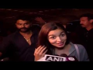Alia Bhatt and Sanjay Khan spotted at Mumbai Airport - B4U Entertainment