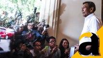 VIDEO: Wiranto Temui Massa di Depan Istana