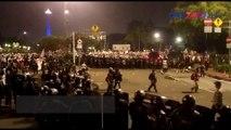 Ditembak Gas Air Mata, Demonstran Bertahan di Istana Merdeka