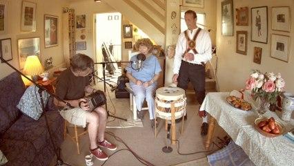 Shirley Collins - May Carol / Southover (Live)
